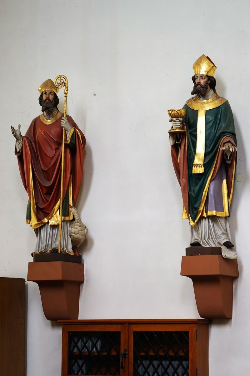 Two Jesus statue | LENS MODEL NOT SET <br> Click image for more details, Click <b>X</b> on top right of image to close