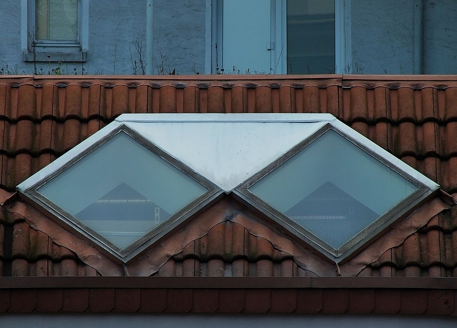 Roof window | ZEISS CY SONNAR 180MM F2.8 <br> Click image for more details, Click <b>X</b> on top right of image to close