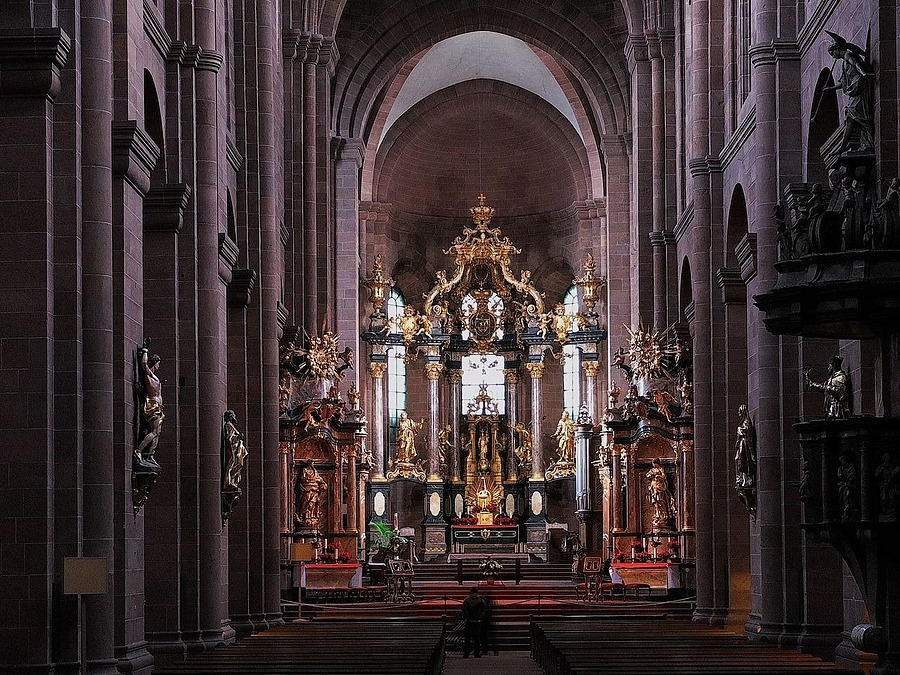 Baroque altar by Balthasar Neumann | ZEISS CY VARIO-SONNAR 28-85MM F3.3-4 <br> Click image for more details, Click <b>X</b> on top right of image to close