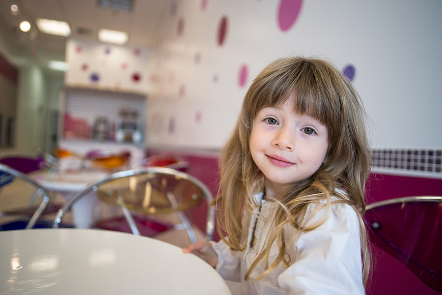 At the Frozen Yogurt Place | ZEISS ZA DISTAGON 24MM F2.0 <br> Click image for more details, Click <b>X</b> on top right of image to close