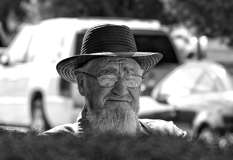 Amish Gentelman | ZEISS PLANAR F1.4 50MM <br> Click image for more details, Click <b>X</b> on top right of image to close