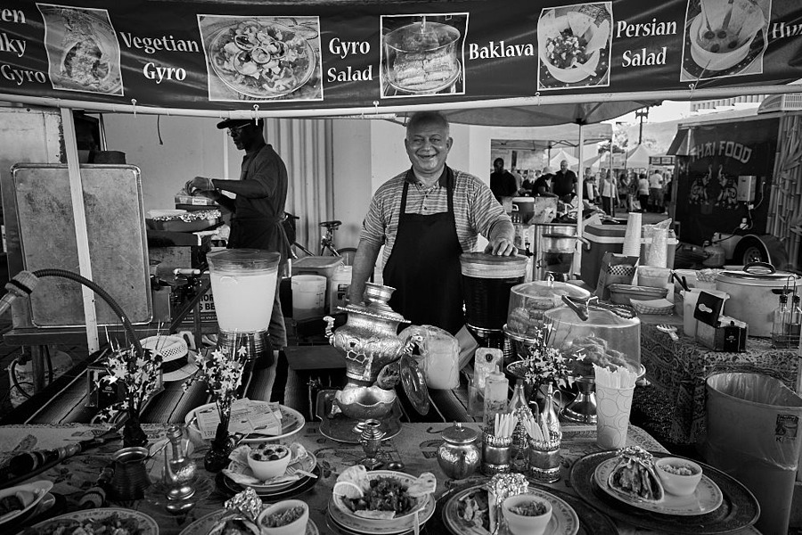 Farmer's Market | ZEISS VARIO-TESSAR T* FE 16-35MM F4 ZA OSS <br> Click image for more details, Click <b>X</b> on top right of image to close
