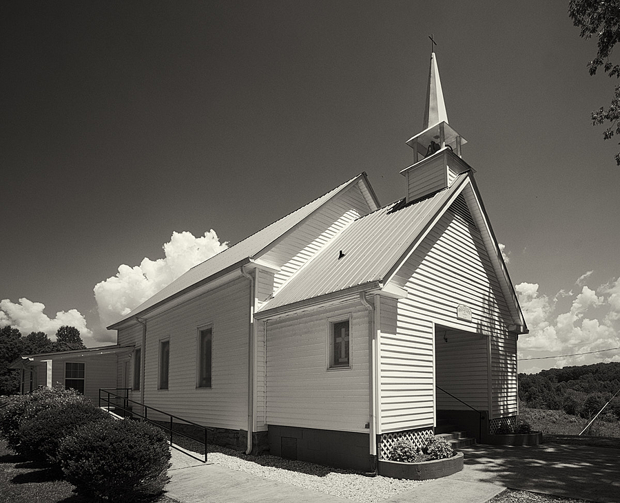 Nacoochee Baptist Church, Georgia | ZEISS VARIO-TESSAR T* FE 16-35MM F4 ZA OSS <br> Click image for more details, Click <b>X</b> on top right of image to close