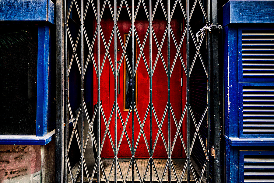 Behind the red door? | ZEISS ZM BIOGON F2.8 21MM <br> Click image for more details, Click <b>X</b> on top right of image to close