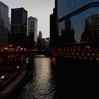 Chicago River at Dusk | ZEISS CY DISTAGON 21MM F2.8