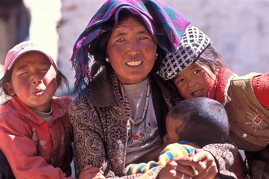 Mother and child,Tibet | ZEISS CY VARIO-SONNAR 35-135MM F3.3-4.5 <br> Click image for more details, Click <b>X</b> on top right of image to close