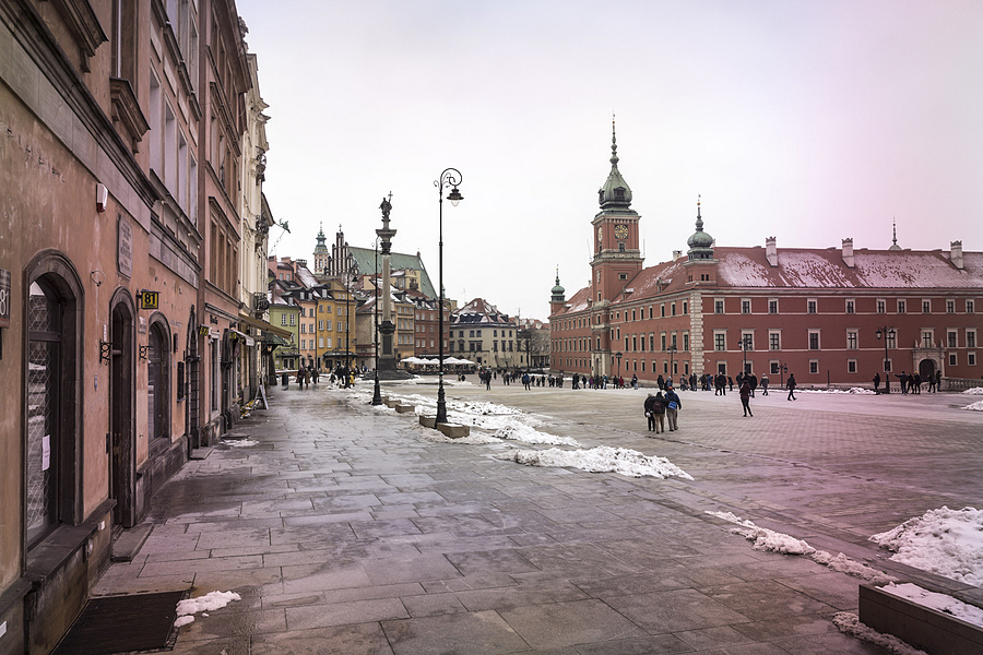 Warsaw's Castle Square in Three (#1) | ZEISS G HOLOGON 16MM F8 <br> Click image for more details, Click <b>X</b> on top right of image to close