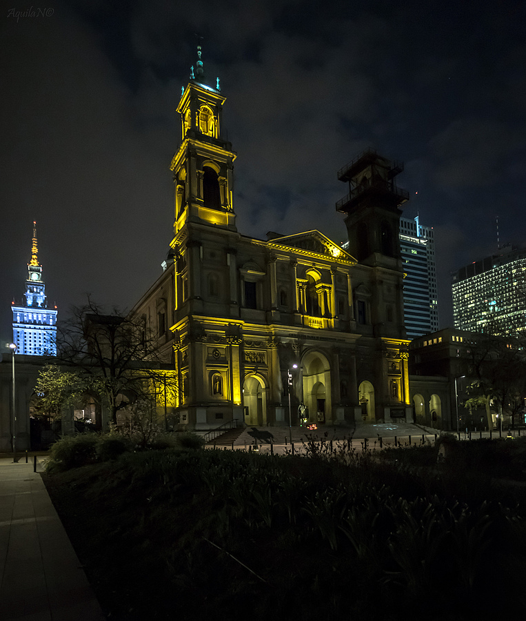 Grzybowski Square at Night (All Saints Catholic Church) | ZEISS CY DISTAGON 18MM F4 <br> Click image for more details, Click <b>X</b> on top right of image to close