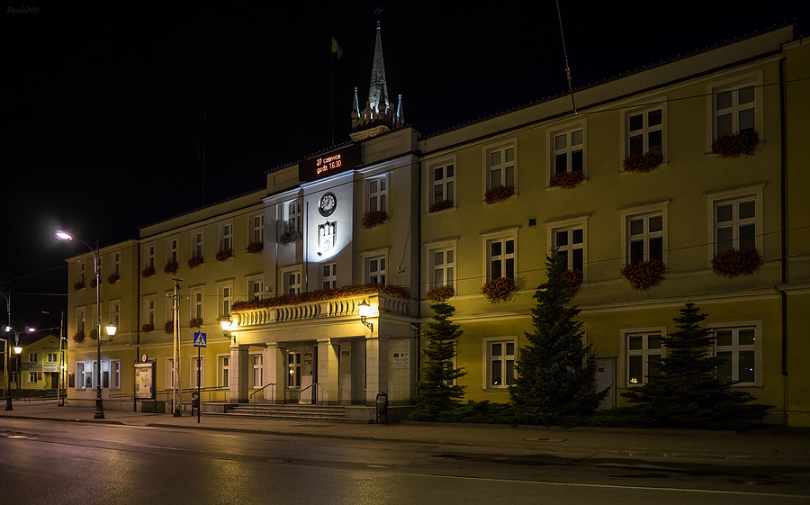 Zgierz at Night (Local Authority Office) | ZEISS ZA DISTAGON 24MM F2.0 <br> Click image for more details, Click <b>X</b> on top right of image to close