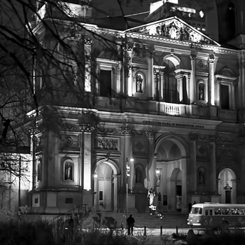 All Saints Church in Warsaw #3 | ZEISS DISTAGON F1.4 35MM