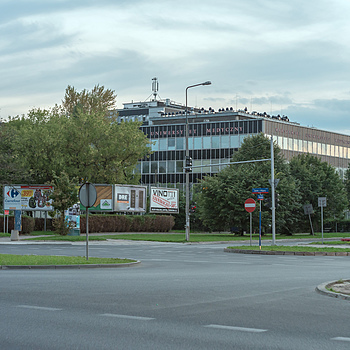 Main Building of Pharmacy Faculty (Medical Univeristy of Warsaw) | ZEISS JENA PANCOLAR 55MM F1.4