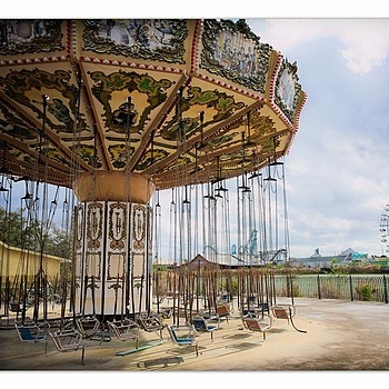 Bad Dream Carousel | ZEISS ZA VARIO-SONNAR F2.8 24–70MM <br> Click image for more details, Click <b>X</b> on top right of image to close