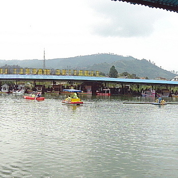 Lembang floating market 3 | LENS MODEL NOT SET