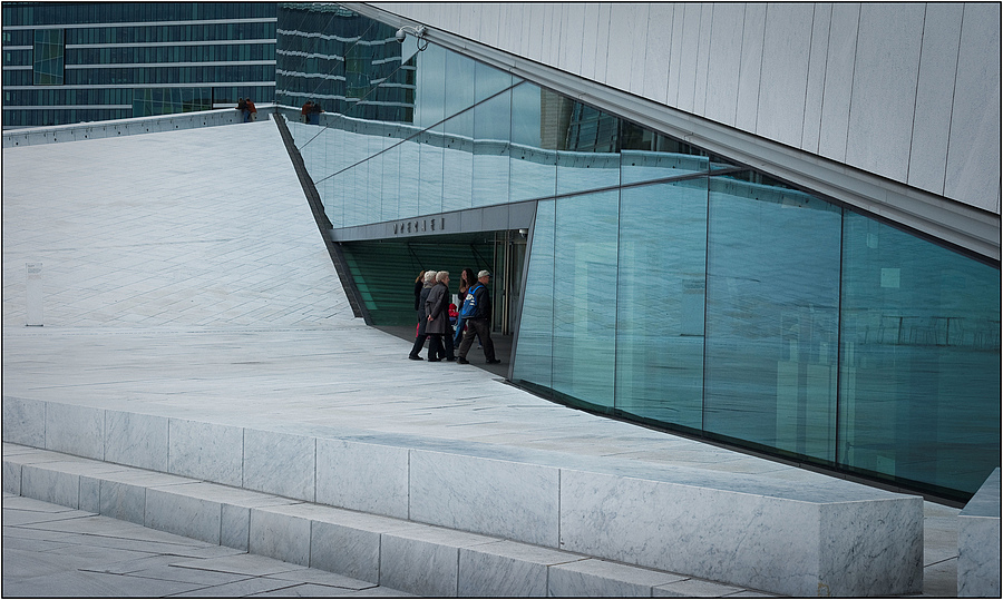 opera in Oslo | ZEISS ZA VARIO-SONNAR DT F3.5-F4.5 16-80MM <br> Click image for more details, Click <b>X</b> on top right of image to close