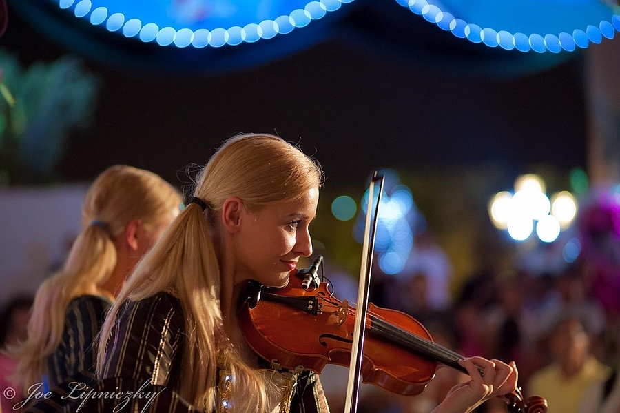 Playing the violin | LENS MODEL NOT SET <br> Click image for more details, Click <b>X</b> on top right of image to close