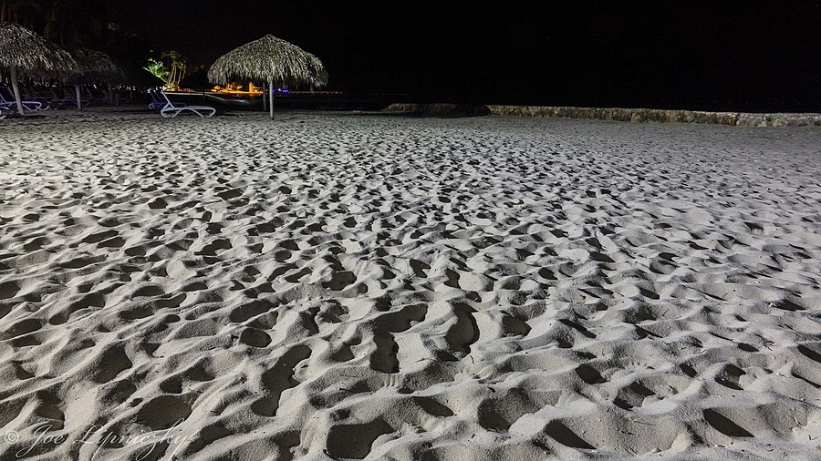 Night on the beach | LENS MODEL NOT SET <br> Click image for more details, Click <b>X</b> on top right of image to close