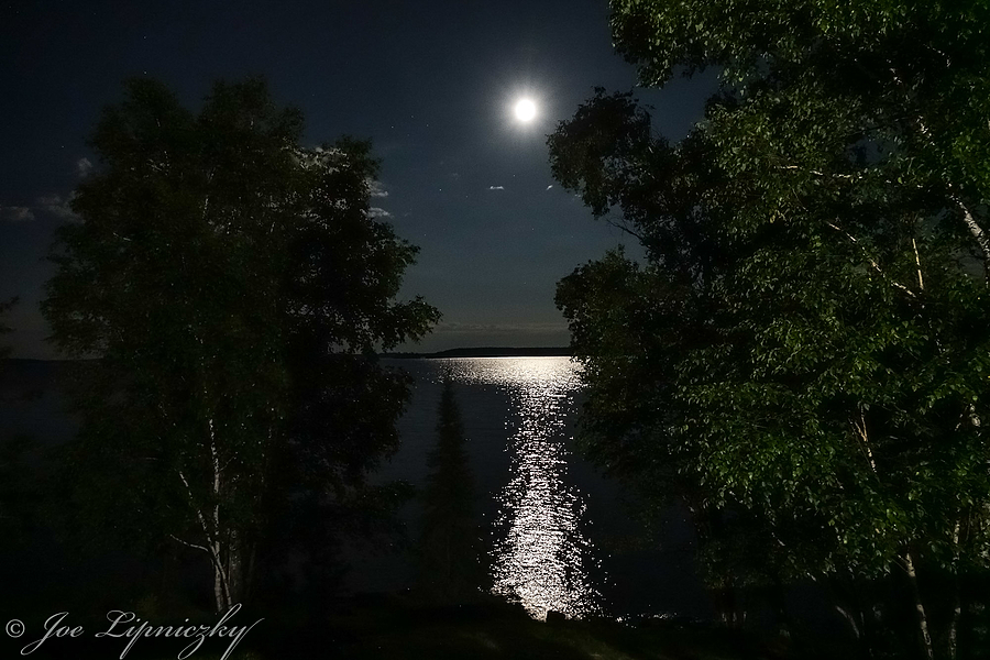 Moon over the lake | LENS MODEL NOT SET <br> Click image for more details, Click <b>X</b> on top right of image to close