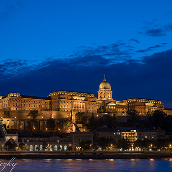 The Buda Castle | LENS MODEL NOT SET
