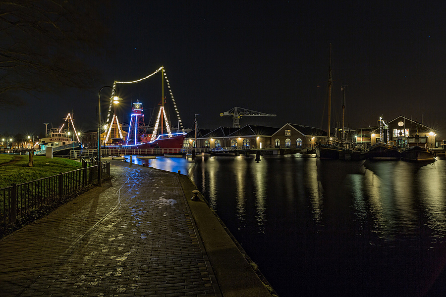 Lightship Texel No 10 by night | ZEISS DISTAGON F2.8 21MM <br> Click image for more details, Click <b>X</b> on top right of image to close