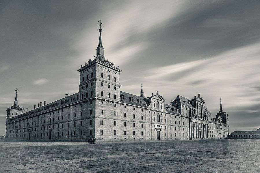 El Escorial   -A7r+Olympus OM Zuiko 21mm- | LENS MODEL NOT SET <br> Click image for more details, Click <b>X</b> on top right of image to close