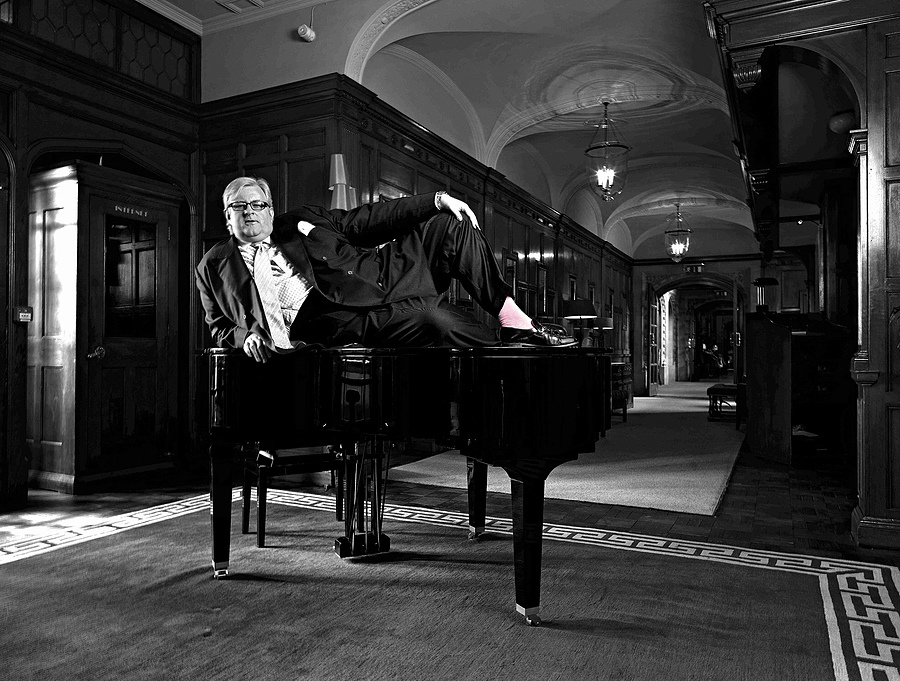 David Morgan Hewitt the Managing Director of the Goring Hotel London. | ZEISS CF DISTAGON 4/40 <br> Click image for more details, Click <b>X</b> on top right of image to close