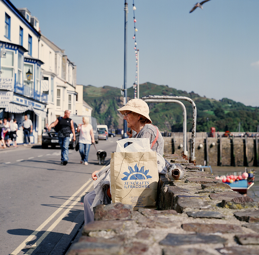 The people of Ilfracombe | LENS MODEL NOT SET <br> Click image for more details, Click <b>X</b> on top right of image to close