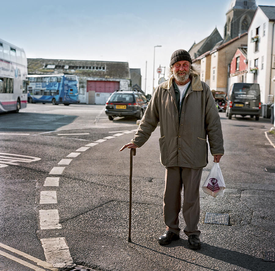 The people of Ilfracombe | ZEISS F PLANAR 2.8/80 <br> Click image for more details, Click <b>X</b> on top right of image to close