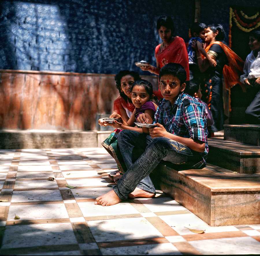 Temple visitors having lunch Bangalore | LENS MODEL NOT SET <br> Click image for more details, Click <b>X</b> on top right of image to close