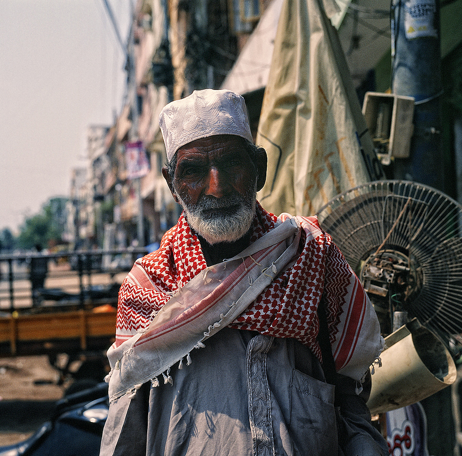 Street Trader Hyderbad | LENS MODEL NOT SET <br> Click image for more details, Click <b>X</b> on top right of image to close