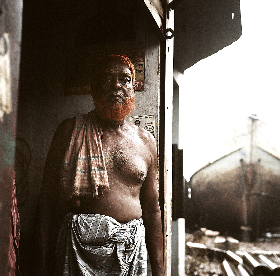 Shipyard Worker Dhaka Port | ZEISS PLANAR 75MM F3.5 TLR <br> Click image for more details, Click <b>X</b> on top right of image to close
