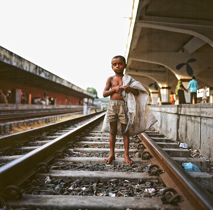 Railway Child Dhaka | ZEISS PLANAR 75MM F3.5 TLR <br> Click image for more details, Click <b>X</b> on top right of image to close