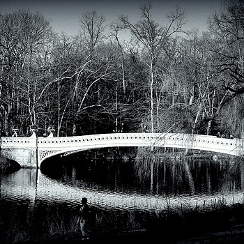 Bow Bridge - b&w
