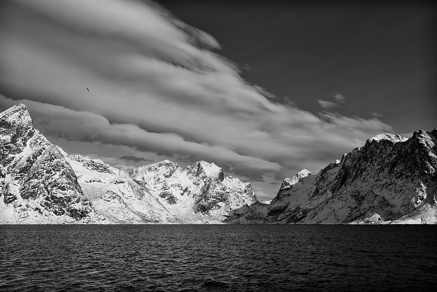 Lofoten, Reine | ZEISS DISTAGON F2.8 25MM <br> Click image for more details, Click <b>X</b> on top right of image to close