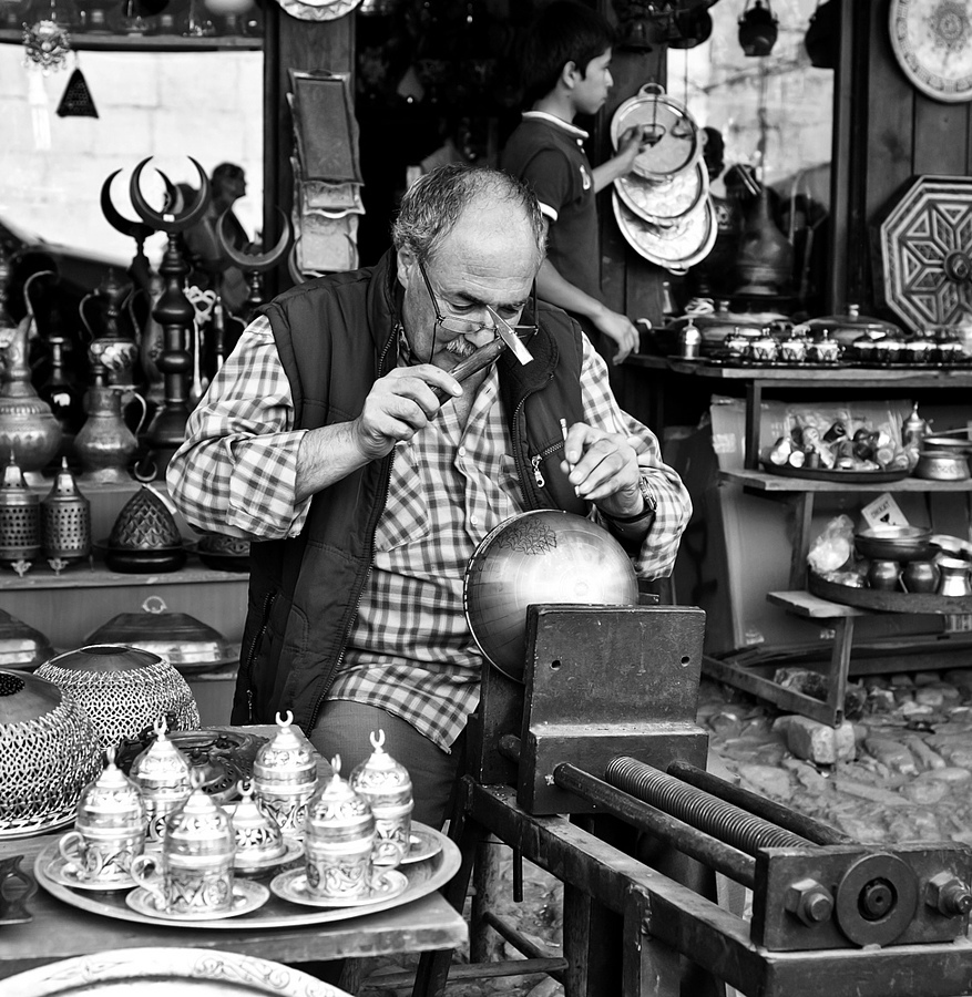 Copper Artificer, Safranbolu-T�RKİYE | ZEISS DISTAGON F2.0 35MM <br> Click image for more details, Click <b>X</b> on top right of image to close
