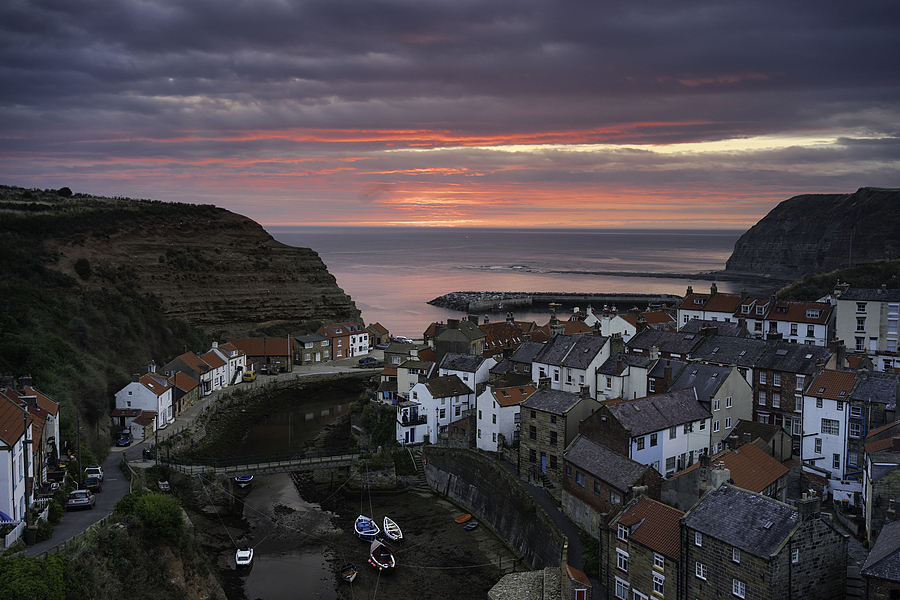 Staithes Sunrise | ZEISS FE 35MM F2.8 ZA <br> Click image for more details, Click <b>X</b> on top right of image to close