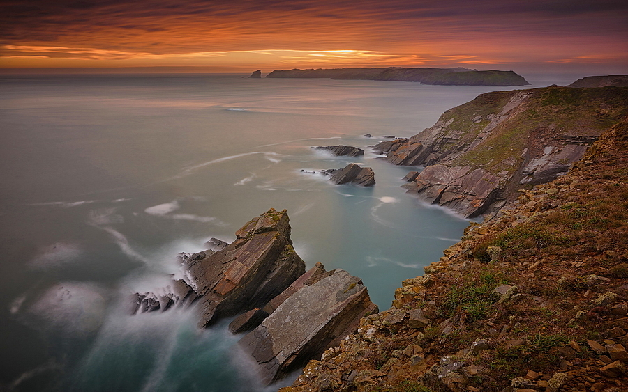Skomer sunset | LENS MODEL NOT SET <br> Click image for more details, Click <b>X</b> on top right of image to close