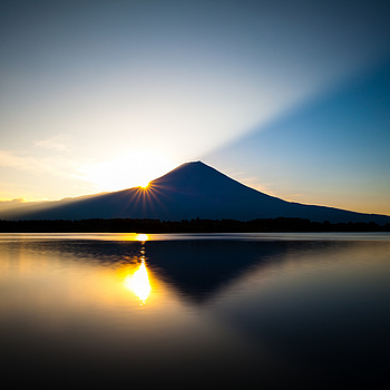 Mt. Fuji at sunrise | ZEISS DISTAGON F2.8 21MM