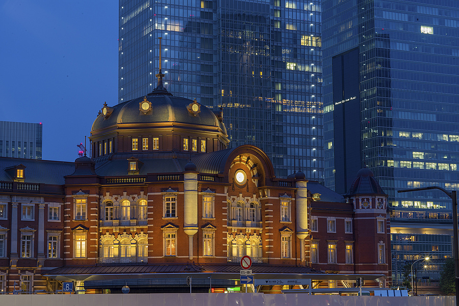 Tokyo Station | ZEISS ZM TELE-TESSAR F4 85MM <br> Click image for more details, Click <b>X</b> on top right of image to close