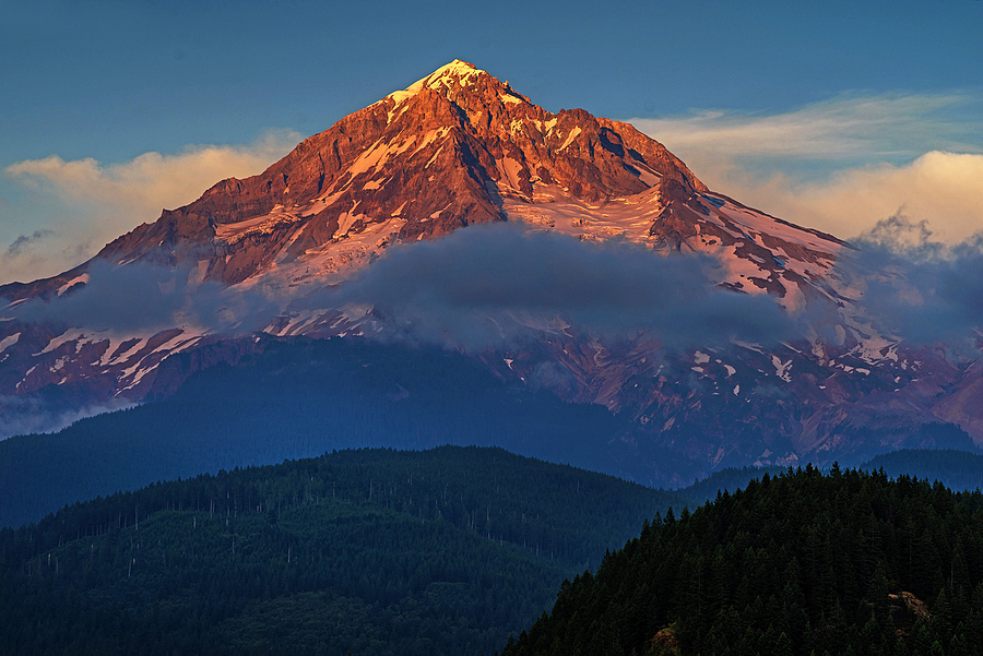 Mt hood sunset | ZEISS APO SONNAR F2 135MM <br> Click image for more details, Click <b>X</b> on top right of image to close