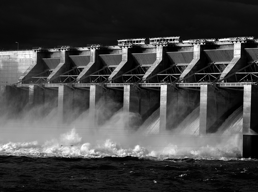 Ice Harbor spillway | ZEISS APO SONNAR F2 135MM <br> Click image for more details, Click <b>X</b> on top right of image to close