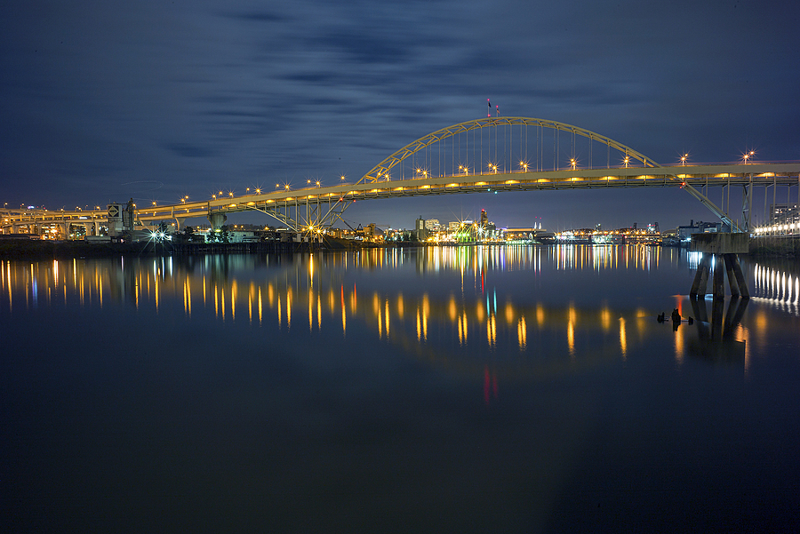 Fremont Bridge | ZEISS G BIOGON 21MM F2.8 <br> Click image for more details, Click <b>X</b> on top right of image to close