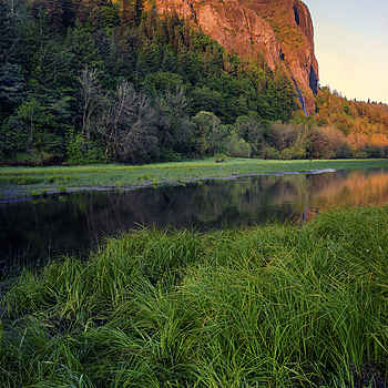 Crown Point Oregon sunrise | ZEISS G BIOGON 28MM F2.8 <br> Click image for more details, Click <b>X</b> on top right of image to close