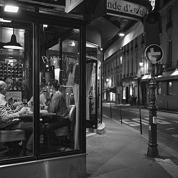 Paris diners | ZEISS G BIOGON 28MM F2.8