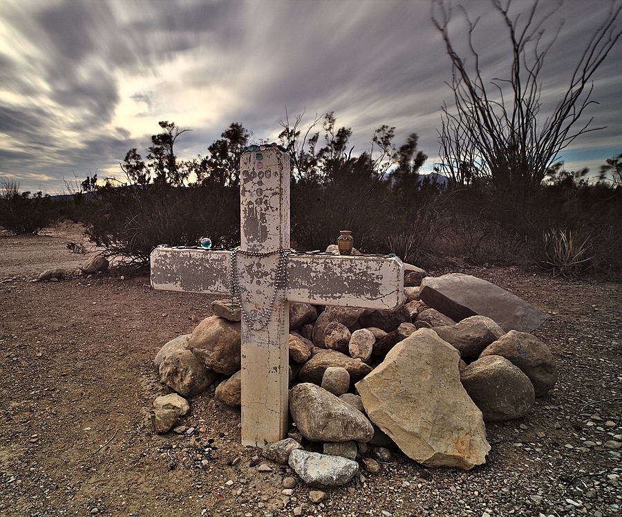 Desert Grave | ZEISS DISTAGON F2.8 15MM <br> Click image for more details, Click <b>X</b> on top right of image to close