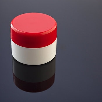 lip balm pot with red lid | ZEISS MAKRO PLANAR F2.0 50MM <br> Click image for more details, Click <b>X</b> on top right of image to close
