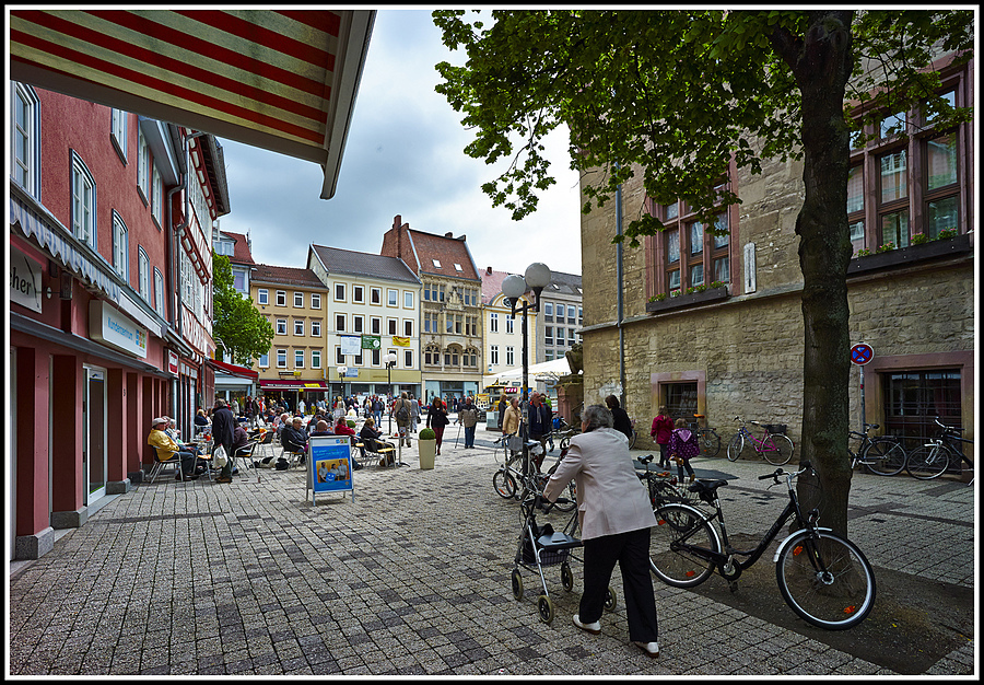 L1002225    Göttingen - Am Marktplatz | ZEISS ZM DISTAGON F4 18MM <br> Click image for more details, Click <b>X</b> on top right of image to close