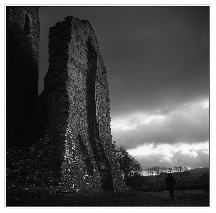 Castle Walls | ZEISS PLANAR 75MM F3.5 TLR <br> Click image for more details, Click <b>X</b> on top right of image to close