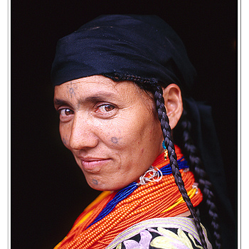 The Kalash Lady | ZEISS G PLANAR 45MM F2