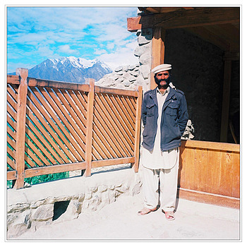 Havildar Major guide and security at Baltit | ZEISS PLANAR 75MM F3.5 TLR
