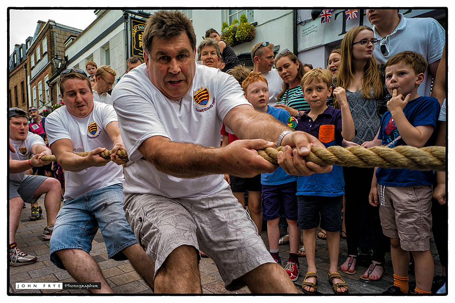 Tug of War launches the annual Twickenham Festival | ZEISS ZM BIOGON F2.8 21MM <br> Click image for more details, Click <b>X</b> on top right of image to close